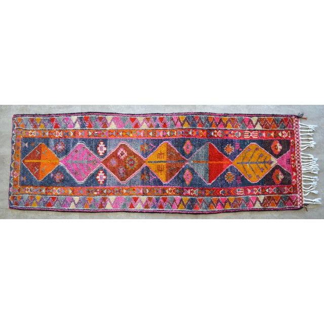 Heterodox Kurdish Runner Herki Rug. Hand-Knotted Colorful Tribal Short Runner - 3′ × 8′10″ For Sale - Image 11 of 11