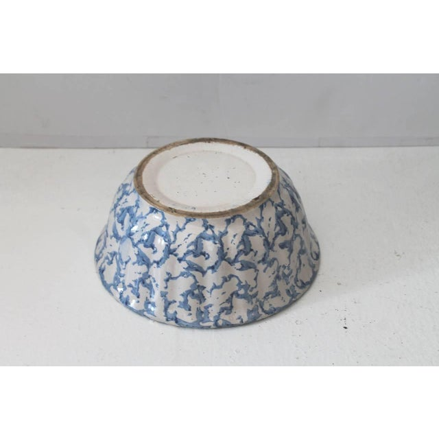 Late 19th Century 19th Century Sponge Ware Pottery Serving Bowl For Sale - Image 5 of 5