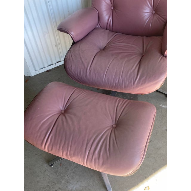 Charles Eames Vintage Lounge Chair and Ottoman in the Manner of Charles Eames For Sale - Image 4 of 8