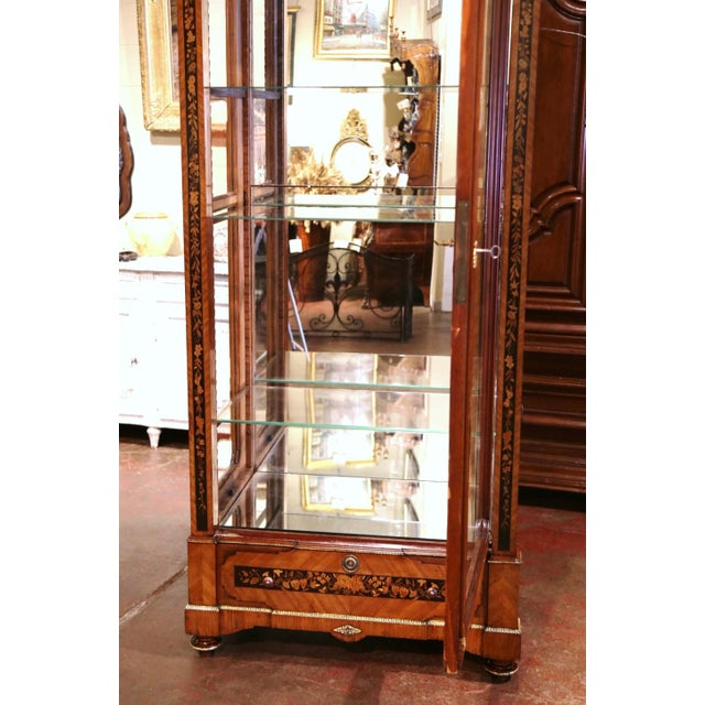 19th Century French Louis XVI Walnut Marquetry Vitrine With Glass Sides and Door For Sale In Dallas - Image 6 of 13