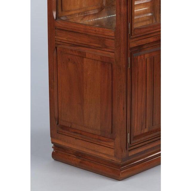 French Art Deco Walnut Vitrine/Display Cabinet - Image 5 of 11