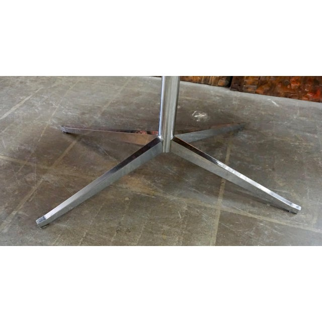Mid-Century Modern Florence Knoll Walnut on Chrome Base Oval Dining / Conference Table For Sale - Image 3 of 7