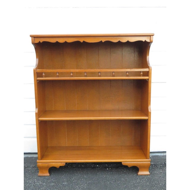 newest c42d8 d8dbe Hard Rock Maple Bookcase Bookshelf Display Cabinet