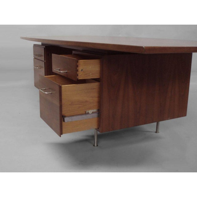 Large Walnut Exécutive Desk by Jens Risom - Image 2 of 4