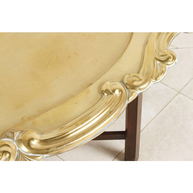 Mid 20th Century Hollywood Regency Oval Brass Tray Table For Sale - Image 5 of 8