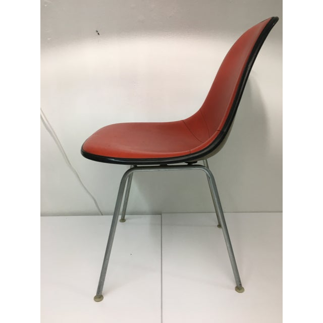 Mid-Century Modern Vintage Molded Side Chair in Burnt Orange Naugahyde by Charles Eames for Herman Miller For Sale - Image 3 of 13