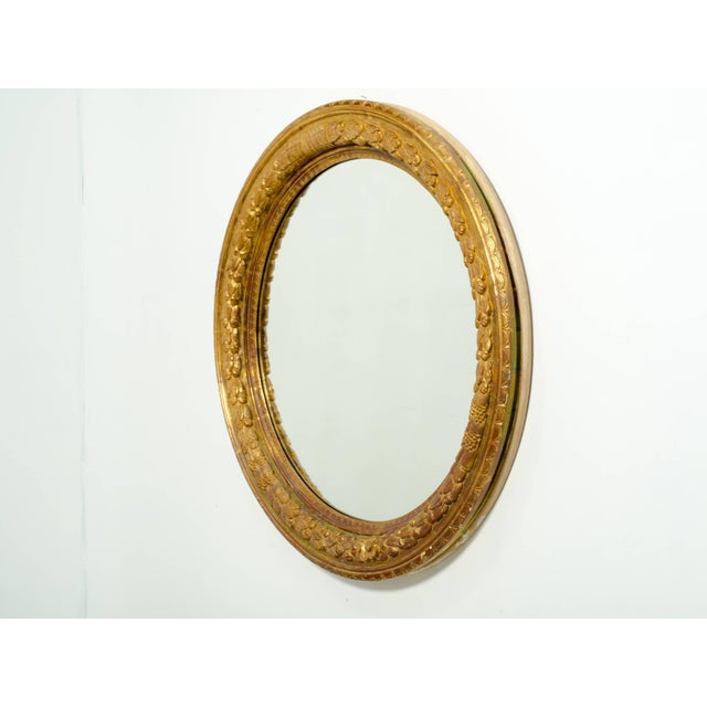 Large Round Carved Giltwood Mirror For Sale In New York - Image 6 of 7