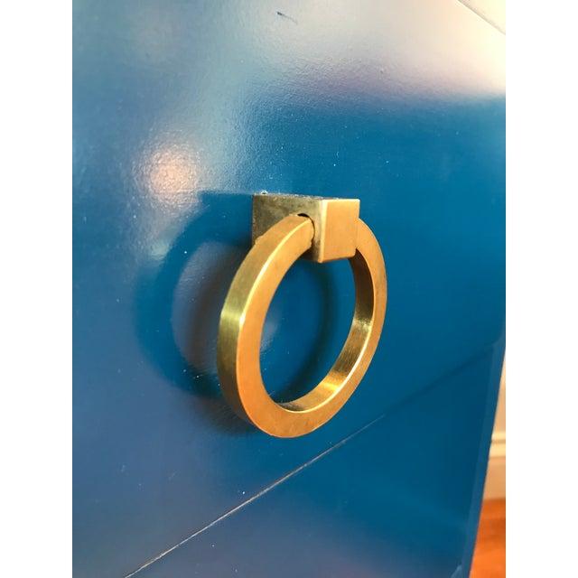 "Royal Blue Vintage T. H. Robsjohn Gibbings for Widdicomb ""Modern Original"" 3 Drawer Nightstand Solid Brass Pulls - a Pair For Sale - Image 8 of 11"