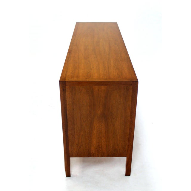 Mid-Century Modern John Stuart Bookmatched Walnut Eight-Drawer Dresser For Sale - Image 9 of 10