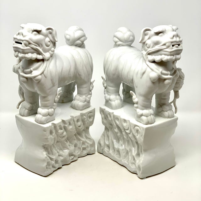 Pair of 1960s Blanc De Chine Italian Porcelain Chinese Foo Dog Statues For Sale - Image 4 of 13