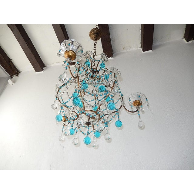 French 1920s French Blue & Clear Murano Drops Crystal Giltwood Chandelier For Sale - Image 3 of 13