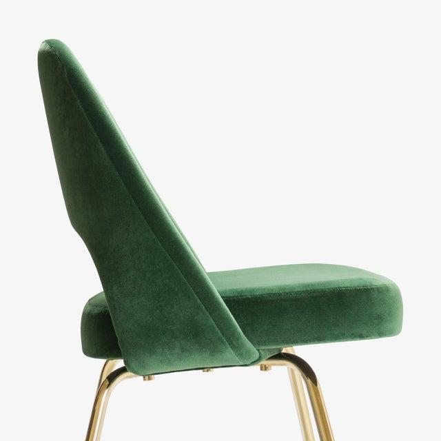saarinen executive armless chairs in emerald velvet 24k gold
