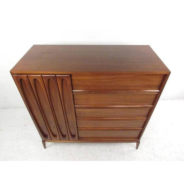 Mid-Century Modern Vintage Modern Modern Bedroom Dresser For Sale - Image 3 of 8