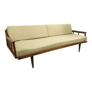 Mid Century Classic Daybed Couch For Sale
