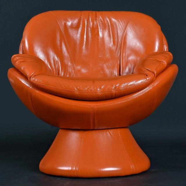 Jaymar Nineteen-Laties Pedestal Base Orange Leather Swivel Pod Chairs by Jaymar For Sale - Image 4 of 13