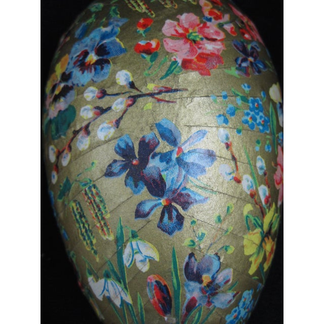 Lace German Papier-Mâché Easter Egg Shaped Candy Container Holiday Ornaments For Sale - Image 7 of 8