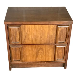1960s Mid-Century Modern Lenoir House for Broyhill Furniture Nightstand For Sale