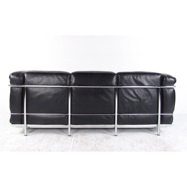 Mid-Century Modern Le Corbusier Lc Leather and Chrome Living Room Set for Cassina For Sale - Image 3 of 12