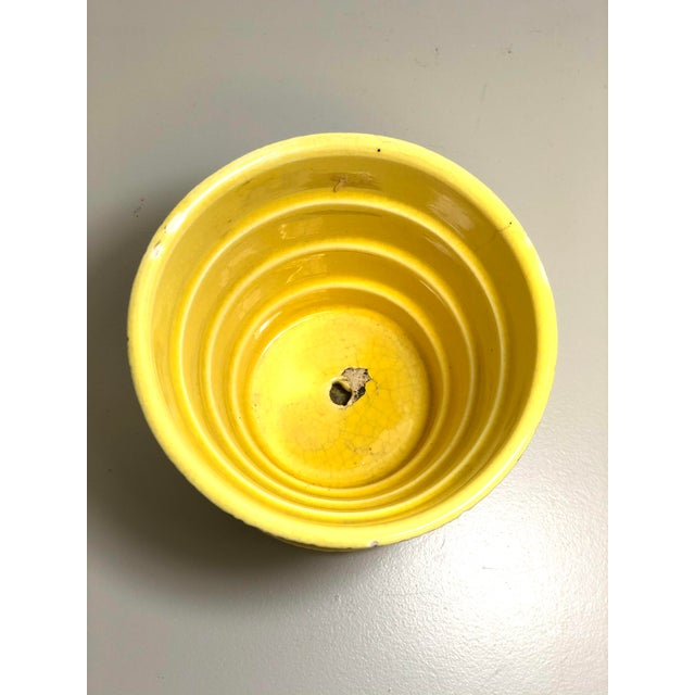 """American McCoy Pottery 1940s - 1960s Small """"Yellow"""" Mid-Century Flowerpot and Saucer For Sale - Image 3 of 6"""