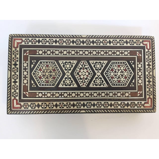 Middle Eastern Syrian jewelry box inlay with mother-of-pearl and wood marquetry techniques including a nice little piece...