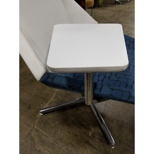 Phenomenal Modern Arcadia Nios Blue And White Tablet Lounge Chair Beatyapartments Chair Design Images Beatyapartmentscom