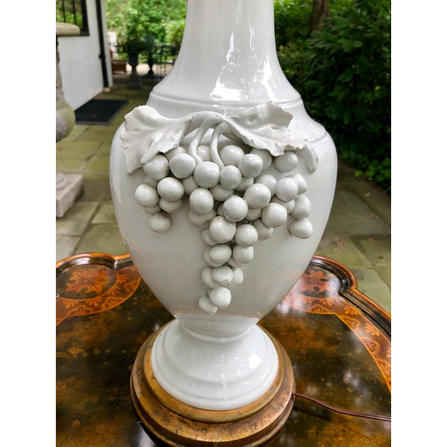White 1950s Vintage Frederick Cooper Porcelain Grapevine Lamp For Sale - Image 8 of 13