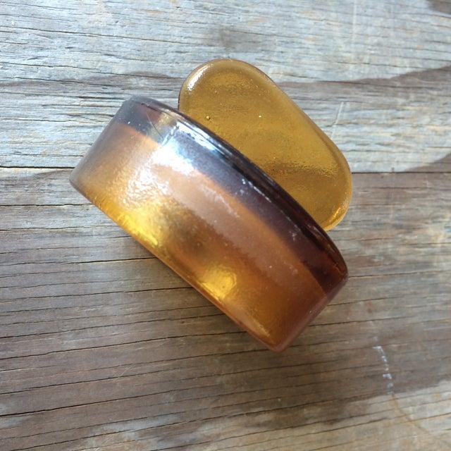 Vintage Amber Glass Storage Jars - A Pair - Image 4 of 4