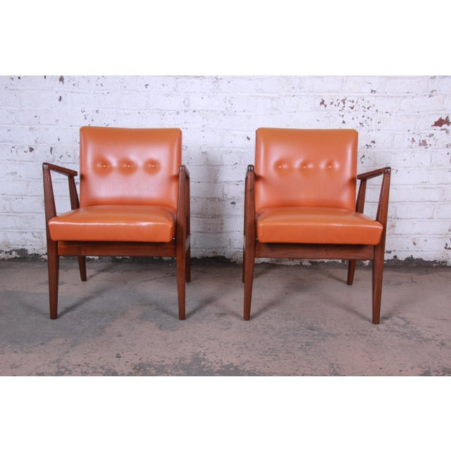 1960s Jens Risom Mid-Century Modern Sculpted Walnut Lounge Chairs, Pair For Sale - Image 5 of 12