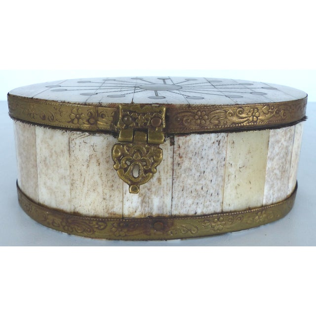 Oval Bone & Brass Trinket Boxes - A Pair - Image 4 of 11