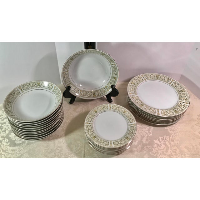 "Traditional Mid-Century Daniele ""Felicity"" China - Set of 27 For Sale - Image 3 of 11"