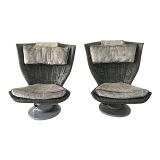 Marzio Cecchi Pair of Grey Woven Leather Swivel Chairs For Sale