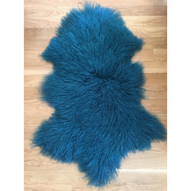 Turquoise Tibetan Lamb Fur Rug - 2′9″ × 4′1″ For Sale In Los Angeles - Image 6 of 6
