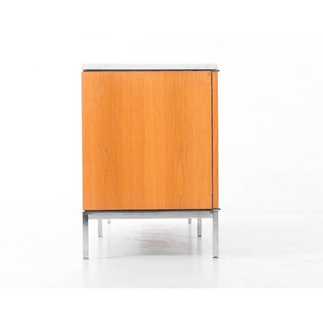 Mid-Century Modern Florence Knoll White Oak Credenza with Carrara Marble Top For Sale - Image 3 of 11