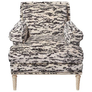 Schumacher Jansen Serengeti Tigre Blanc Chenille Maplewood-Legged Sock Arm Chair For Sale