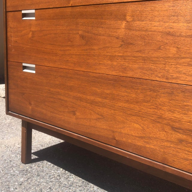 Mid 20th Century Mid-Century Highboy Dresser by Bassett For Sale - Image 5 of 8