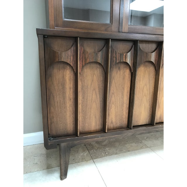 1960s Mid Century Modern Kent Coffey Perspecta Walnut and Rosewood China Hutch Credenza For Sale - Image 5 of 10