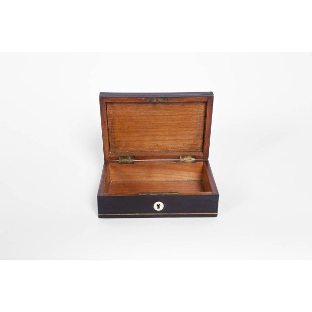 Edwardian Tortoiseshell and Lacquer Box, England, Circa 1900 For Sale - Image 3 of 5