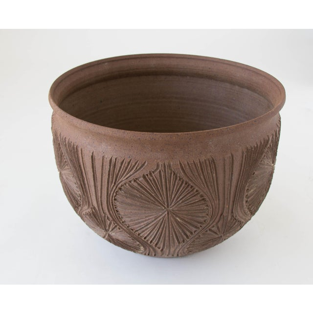 "Robert Maxwell Earthgender Bowl Planter in ""Teardrop Sunburst"" Pattern - Image 4 of 7"