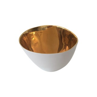 Tse Tse Gold & Porcelain Famished Salad Bowl For Sale