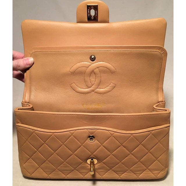 Metal Chanel Vintage Tan 10 Inch 2.55 Double Flap Classic Shoulder Bag For Sale - Image 7 of 12