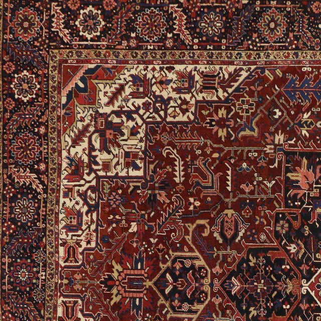 Antique Persian Heriz Rug with Modern Traditional Style For Sale - Image 5 of 10