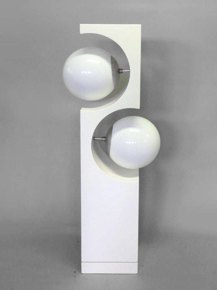 Op Pop Mod White Lacquered Round Globe Table Lamp   Image 4 Of 5