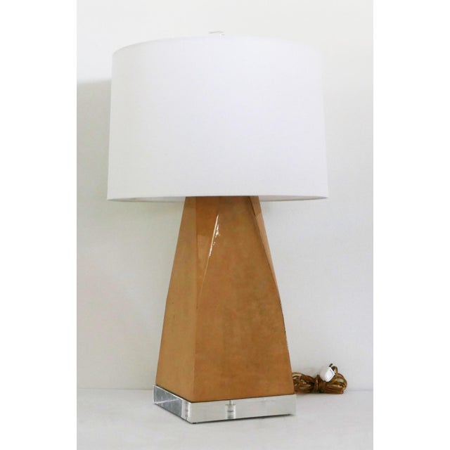 Brown Vintage Lacquered and Lucite Lamp For Sale - Image 8 of 8