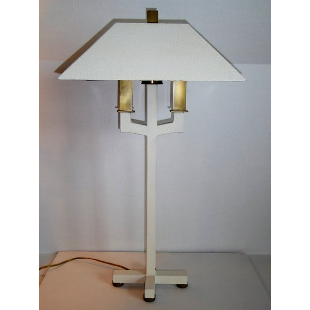 Mid-Century Modern Hart Associates Postmodern Bouillotte Lamp With Painted Brass Metal Shade 1970s. For Sale - Image 3 of 11