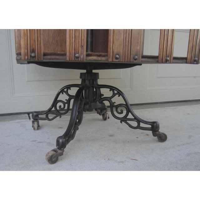 Metal 1900s Mid-Century Modern Revolving Swivel Rotating Oak Barrister For Sale - Image 7 of 12