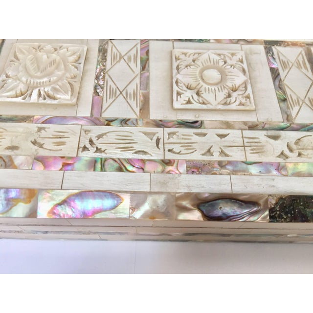 Middle Eastern Abalone and Mother-Of-Pearl Inlay Large Rectangular Box For Sale - Image 11 of 13