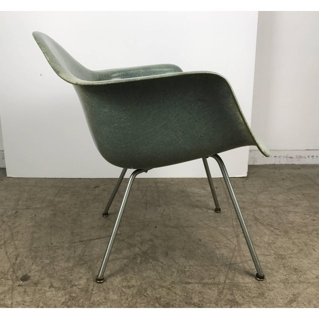 Mid-Century Modern Classic Modernist Charles and Ray Eames Arm Shell Lounge Chair Zenith For Sale - Image 3 of 9
