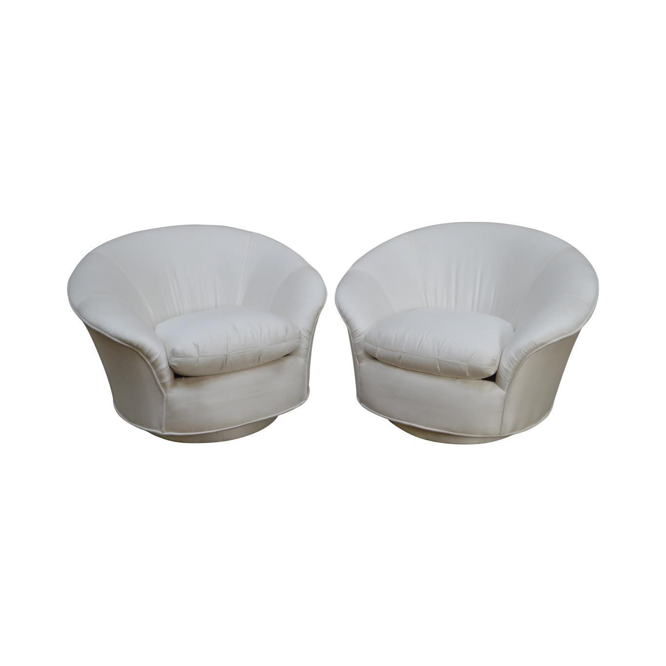 Genial Vladimir Kagan For Directional Round Swivel Base Pair Of Lounge Chairs