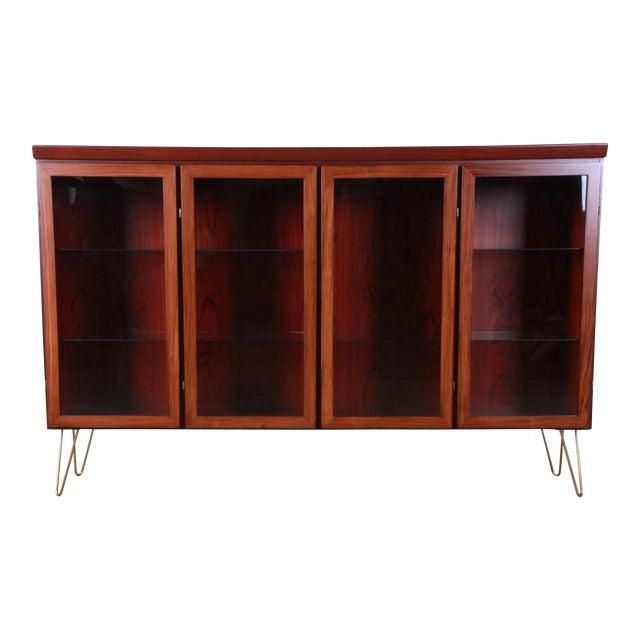 Skovby Danish Modern Rosewood Glass Front Bookcase on Hairpin Legs For Sale