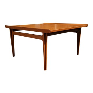 A Danish Mid-Century Modern Coffee Table by Finn Juhl for France and Son For Sale